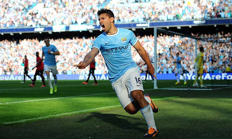 Sergio Aguero Celebrates goal against Manchester United